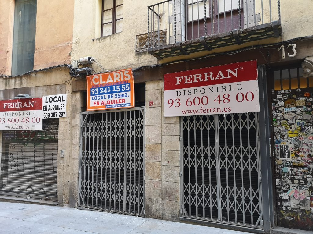 """To Let"" signs are everywhere in the Gothic Quarter,2020"